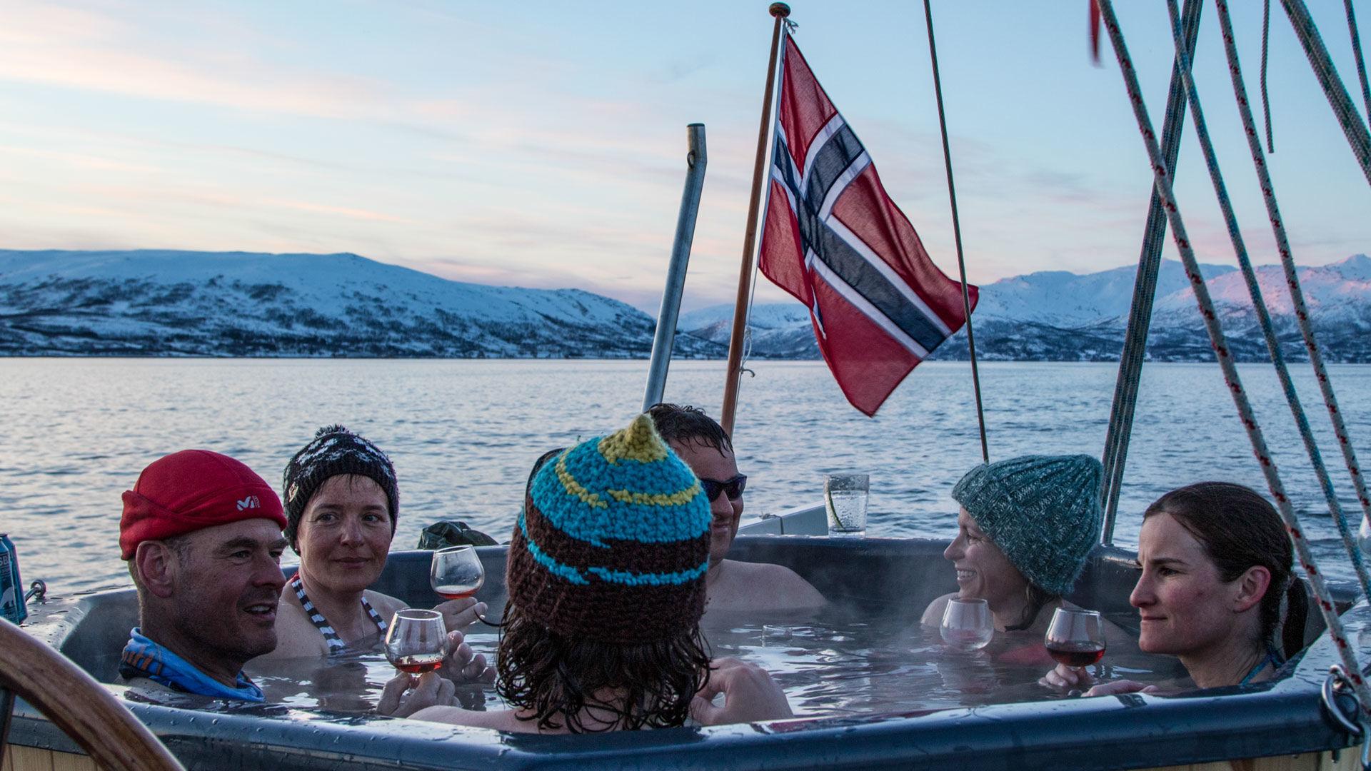 Im Hottub Auf Dem Schiff Im Lyngenfjord